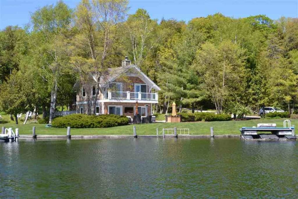 Things To Keep In Mind When Investing In Waterfront Property For Sale Near Me