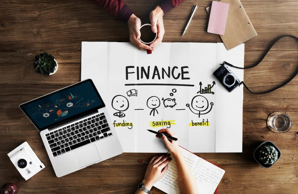 There are plenty of finance internships being offered