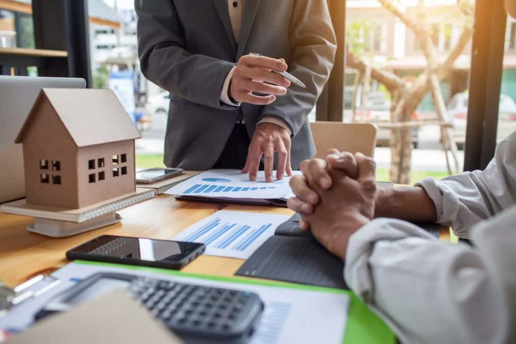 What Is a Mortgage Broker